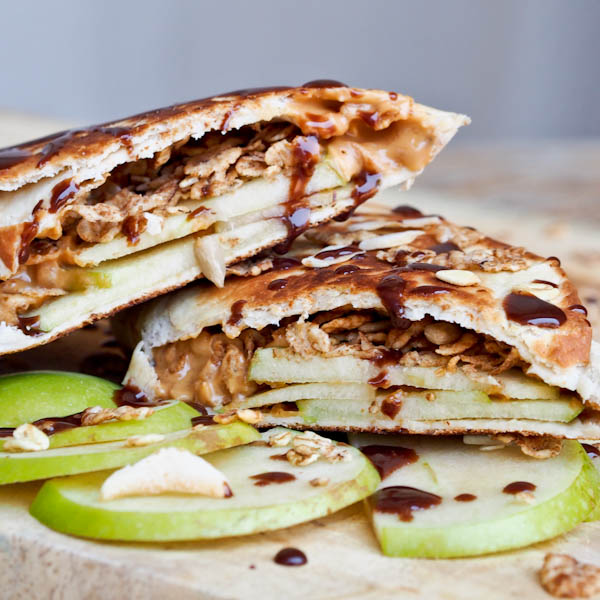Peanut-Butter-Apple-Granola-Snack-Wraps