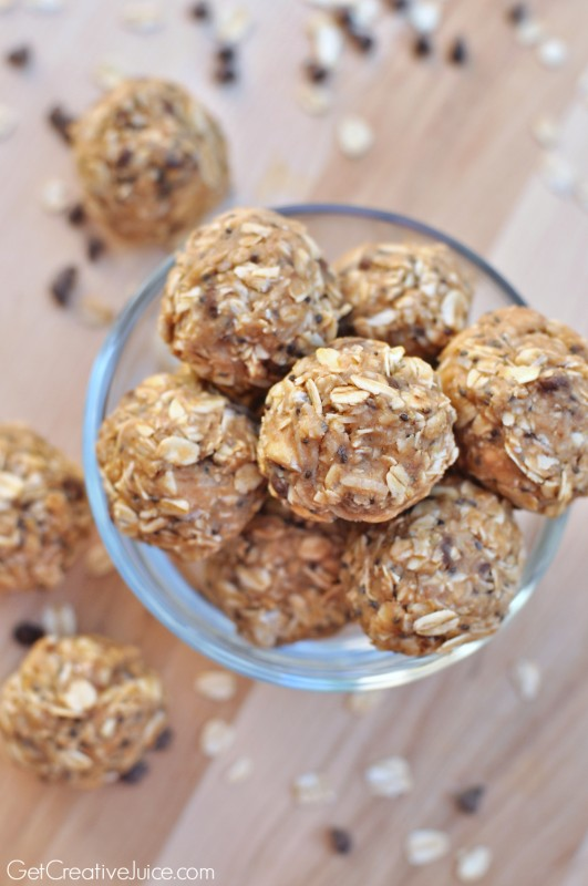 Peanut-Butter-Oatmeal-no-bake-energy-bites--531x800